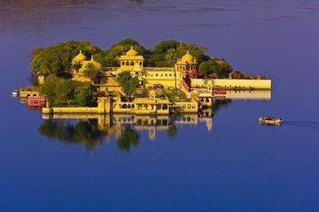Explore Sunset in Jagmandir Island Palace Udaipur