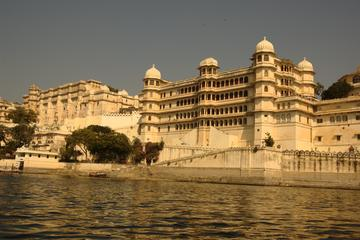 Full Day Excursion :Udaipur Sightseeing with Sunset Boat Cruise on Lake Pichola
