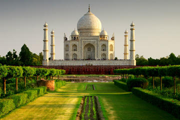 Full-Day Guided Agra Sightseeing Tour with Taj Mahal