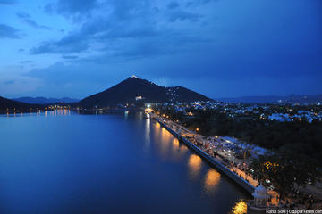 Lake Fatehsagar- Boat Ride Admission Ticket with Optional Transfer
