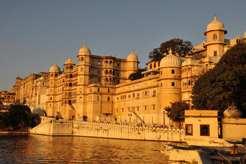 Private 3 Day City Tour of Udaipur and Mount Abu with Accomodation