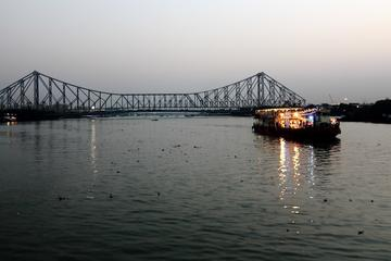 Special Day Excursion: Kolkata Highlights Full-Day Tour by Car, Foot and Boat