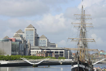 Tour Jeanie Johnston Tall Ship and Famine Museum in Dublin