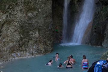 Cachoeira de Puerto Plata nadar nas...
