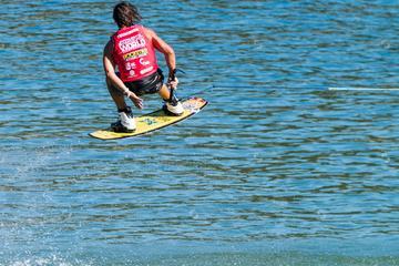 Clase de wakeboard o wakesurf en Los Cabos