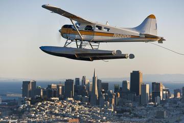 Flygtur med sjöflygpan runt Golden ...