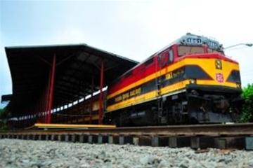 Excursión de día completo a Portobelo en tren y Esclusas de Gatún...