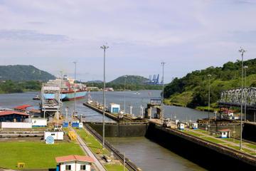 Sightseeing-Tour auf dem Panamakanal