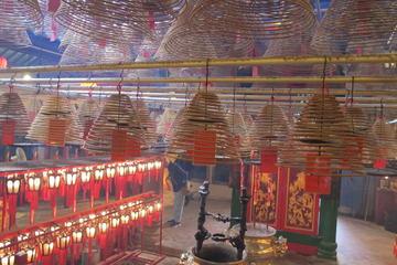 ウォーキングツアー: 香港の中環から上環を探訪