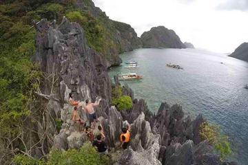 Private El Nido Island Hopping Tour from Puerto Princesa City