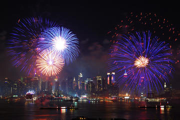 Circle Line Th Of July Evening Cruise New York City - All inclusive cruises ny