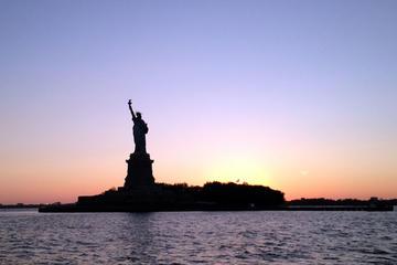 Nächtliche Hafenbootstour in New York...