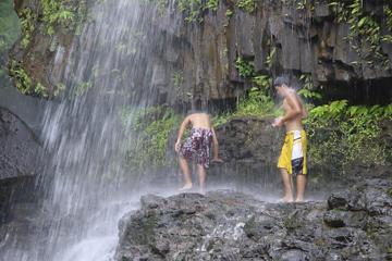 Recorrido de aventura en grupos pequeños por el las cataratas de...