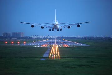 Transfert d'arrivée privé: de l'aéroport ou de l'embarcadère de...