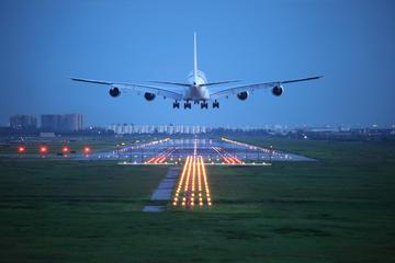 Traslado de chegada privado: do Aeroporto de Papeete para o Hotel ou...