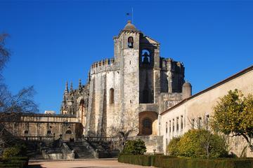 Visite privée: Monastères de Tomar, Batalha et Alcobaça au départ de...