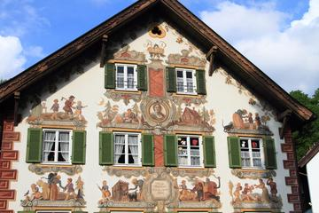 Castillo Real de Linderhof y excursión de un día a Oberammergau desde...