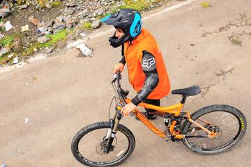 Excursão de bicicleta por Maras e...