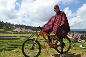 Excursión en bicicleta a Chinchero desde Cuzco
