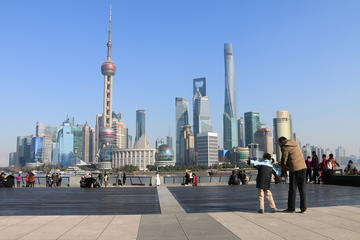 Private Shanghai Day Tour including Bund Yu Garden French Concession and Jade Buddha Temple