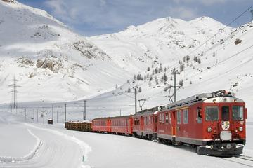 Bernina Express-Bahntour durch die Schweizer Alpen ab Mailand mit...