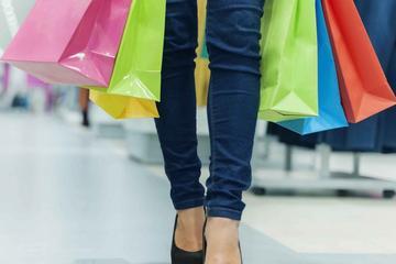 Como Shopping Tour from Milan with Shopping Expert