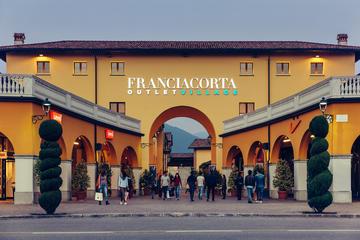 Sortie shopping au Franciacorta Outlet Village au départ de Milan