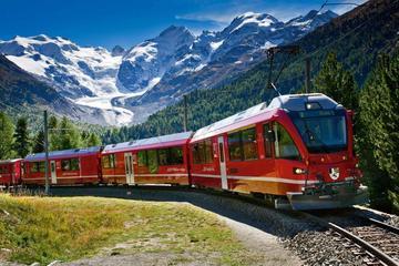 Tågresa på Bernina Express till schweiziska alperna från Milano