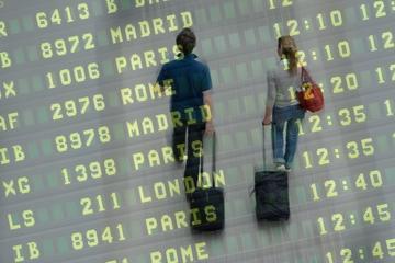 Gemeinsamer Transfer bei der Abreise am Flughafen Lissabon