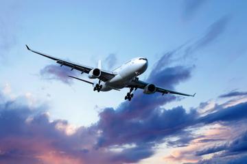 Gemeinsamer Transfer bei der Ankunft am Flughafen Lissabon