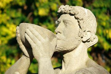 Degustação de vinho e viagem de um dia para a antiga Corinto saindo...