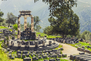 Delphi Day Trip from Athens with Spanish-Speaking Guide