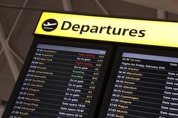 Traslado compartido para salidas: del hotel al aeropuerto de Atenas