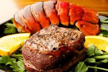 Cruzeiro-jantar com lagosta saindo de Cancun