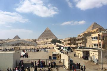 private day tour to ancient Egypt for Giza complex pyramids and Egyptian msueum