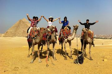 Private Day Trip: Giza Pyramids and Egyptian Museum