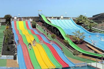 Entrada a Aquapark Costa Teguise y...