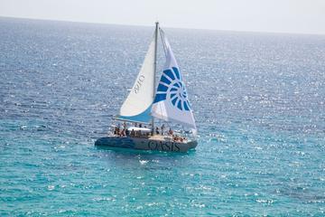 Mit dem Katamaran segeln mit Mittagessen von Palma