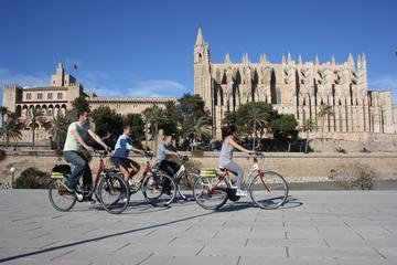 Palma de Mallorca Fahrradtour durch die Stadt mit Bootstour bei...