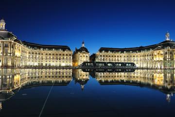 Nacht-Spaziergang zu Besichtigungspunkten in der Stadt Bordeaux
