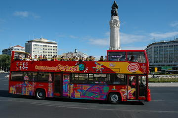 City Sightseeing hop-on hop-off tour door Lissabon