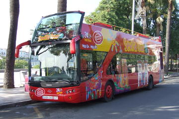 City Sightseeing hop-on hop-off tour door Sevilla