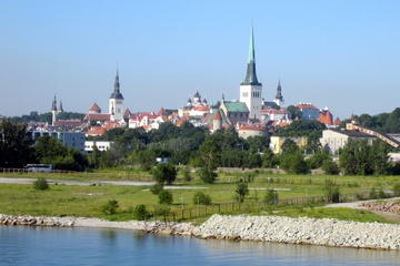 Excursão terrestre por Tallinn em ônibus panorâmico