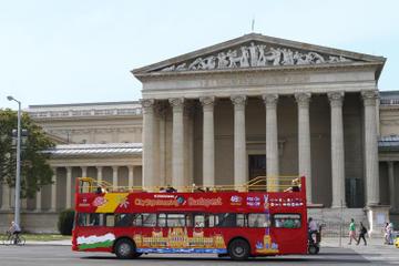 Excursão turística em conversível pela cidade de Budapest com passeio...