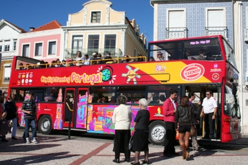 Hop-on-Hop-off-Bustour durch Aveiro
