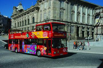 Tour en autobús con paradas libres por la ciudad de Funchal