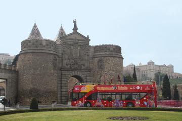 Visita turística por la ciudad de Toledo en autobús con paradas...