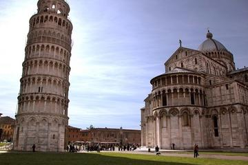 The  fortress and the tower: Pisa and Lucca tour