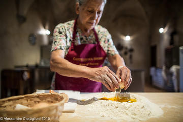 Tuscany Castle, Pasta-Making, Wine-Tasting Small-Group