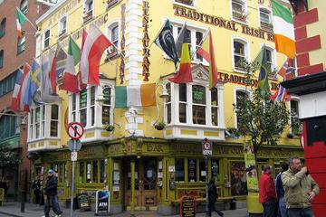 Pubrunde med tradisjonell irsk musikk i Dublin